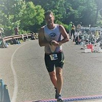 Jeff Sallade running birchwood tri